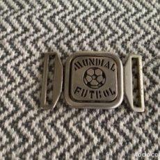 Coleccionismo deportivo: CU4. HEBILLA MUNDIAL FUTBOL. Lote 293773318