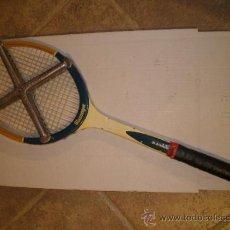 Coleccionismo deportivo: ANTIGUA RAQUETA DE MADERA SLAZENGER. Lote 27653778