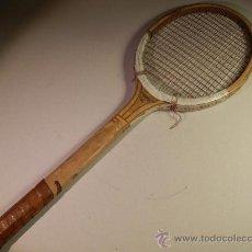 Coleccionismo deportivo: RAQUETA DE TENIS DE MADERA SKIPPER. Lote 31229992