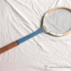 Coleccionismo deportivo: RAQUETA MA ZARAUZ - REGO - JUNIOR - AÑOS 60. Lote 31798075