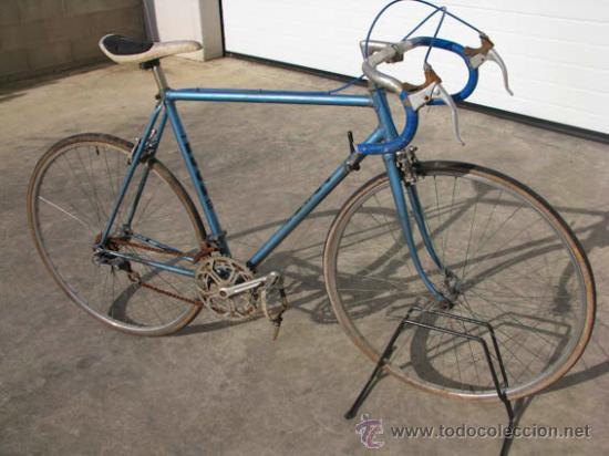 Antigua bicicleta de carretera color azul de la comprar - La bici azul ...