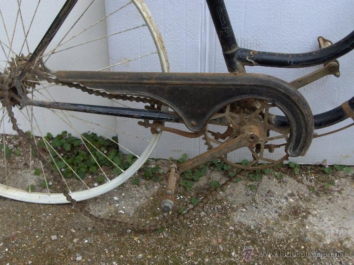 Coleccionismo deportivo: bicicleta varillas super bh antigua de mujer 1940 - Foto 5 - 44771570
