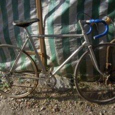 Coleccionismo deportivo - antigua bicicleta de carreras de los 80 con componentes triplex eibar guipuzcoa sillin cobra - 43717215