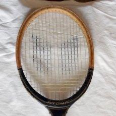 Coleccionismo deportivo: RAQUETA TENIS ATOMIC MADERA. Lote 44311251
