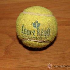 Coleccionismo deportivo: ANTIGUA PELOTA DE TENIS COURT KING. AÑOS 60.. Lote 46751280