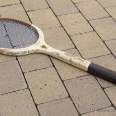 Coleccionismo deportivo: RAQUETA DE MADERA SLAZENGER. Lote 54598124