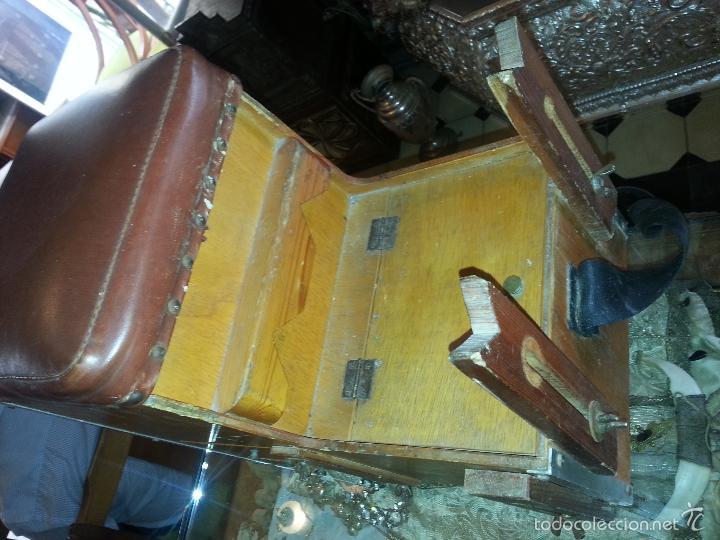 Coleccionismo deportivo: antigua caja pesca madera cajones apartados sillon cañeros carretes plomos sagarra linternas navaja - Foto 4 - 56418248