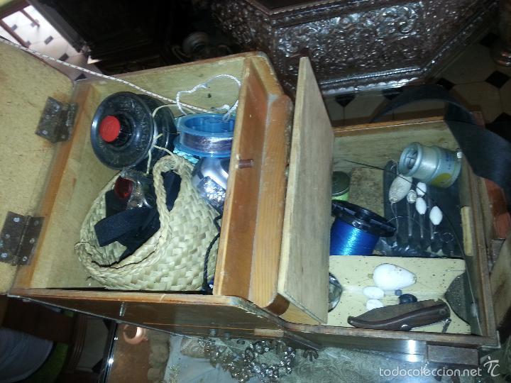 Coleccionismo deportivo: antigua caja pesca madera cajones apartados sillon cañeros carretes plomos sagarra linternas navaja - Foto 5 - 56418248