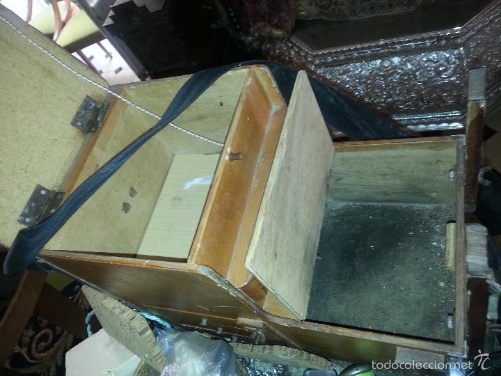 Coleccionismo deportivo: antigua caja pesca madera cajones apartados sillon cañeros carretes plomos sagarra linternas navaja - Foto 8 - 56418248