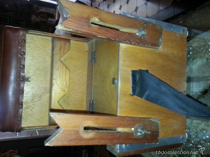Coleccionismo deportivo: antigua caja pesca madera cajones apartados sillon cañeros carretes plomos sagarra linternas navaja - Foto 15 - 56418248