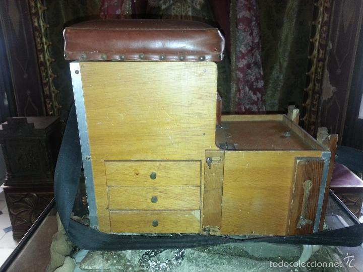 Coleccionismo deportivo: antigua caja pesca madera cajones apartados sillon cañeros carretes plomos sagarra linternas navaja - Foto 20 - 56418248