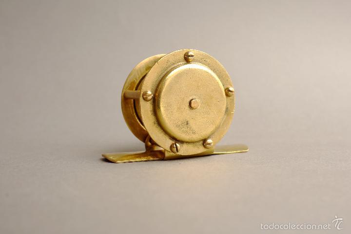 Coleccionismo deportivo: CARRETE DE PESCA FRANCES DE LATON DE 6 CM DE LARGO EN BASE - Foto 7 - 57422617