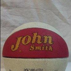 Coleccionismo deportivo: ANTIGUO BALON JOHN SMITH BALONCESTO. Lote 60255447