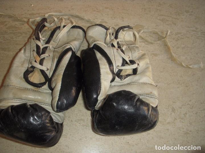 Coleccionismo deportivo: guantes antiguos de boxeo - Foto 2 - 61427411