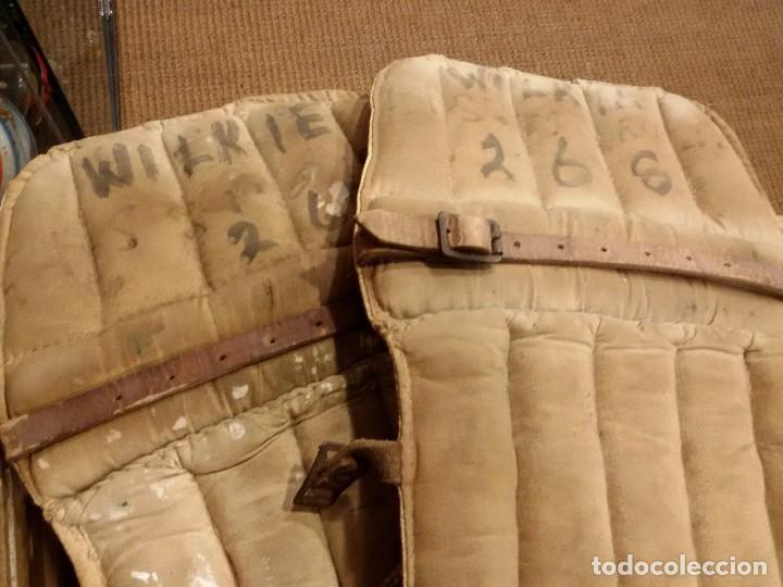 Coleccionismo deportivo: Protecciones Hokey antigua - Foto 3 - 66528086