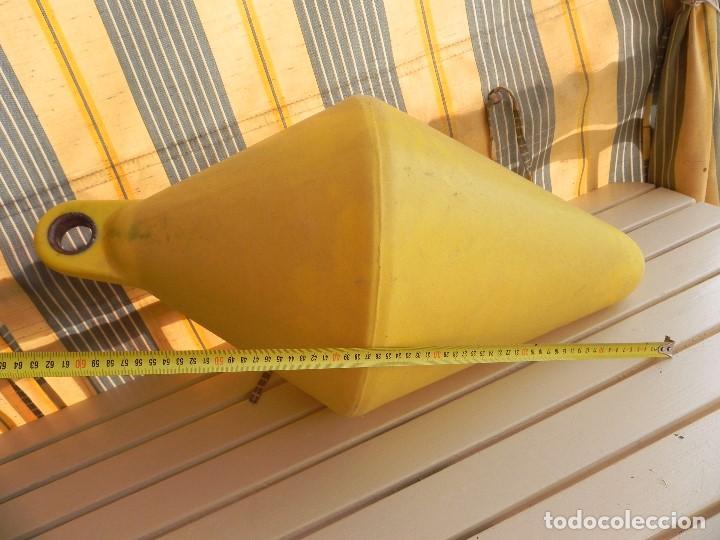 Coleccionismo deportivo: Boya de señalización o de amarre, lastrable. 68cm largo, 35cm ancho. sin fugas ni golpes. - Foto 7 - 77257909