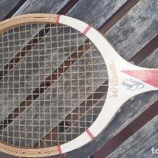 Coleccionismo deportivo: RAQUETA DE MADERA WILSON JIMMY CONNORS. Lote 83672136