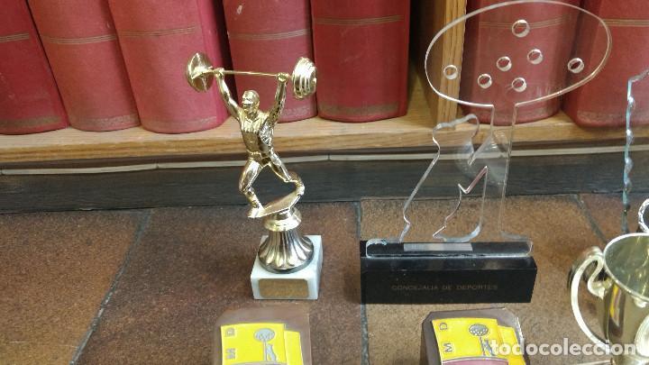 Coleccionismo deportivo: Lote de trofeos de halterofilia o levantamiento de pesas San Isidro Madrid. - Foto 4 - 89248796