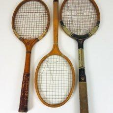 Coleccionismo deportivo: CONJUNTO DE 3 RAQUETAS DE TENIS EN MADERA. VARIOS FABRICANTES.SIGLO XX.. Lote 91281405