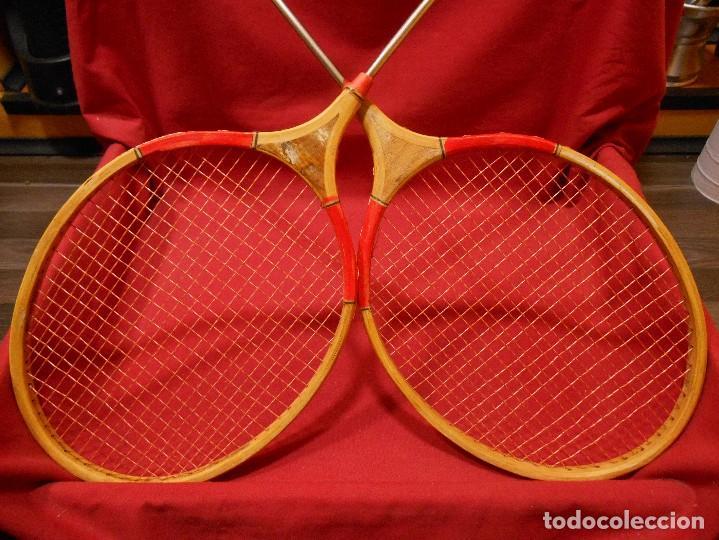 Coleccionismo deportivo: PAREJA DE RAQUETAS DE BADMINTON -VINTAGE -BUEN ESTADO - - Foto 4 - 105380963