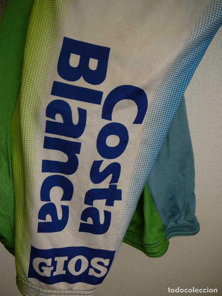 Coleccionismo deportivo: Culotte de ciclismo Kelme-Costa Blanca. Temporada 98. Escartín, Sevilla, Botero - Foto 4 - 106101131
