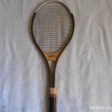 Coleccionismo deportivo: RAQUETA TENIS KUEBLER RECKET PLUS 30 CON FUNDA. Lote 108279367