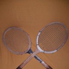 Coleccionismo deportivo: ANTIGUO PAR DE RAQUETAS TENIS MADERA VINTAGE. Lote 110013078