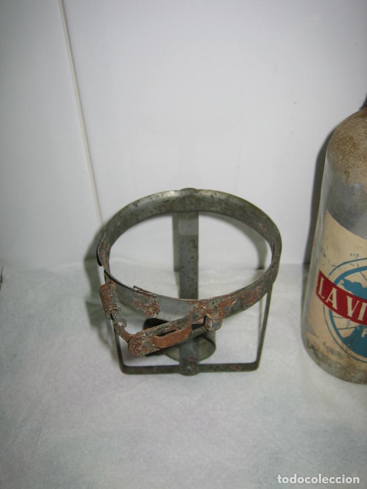 Coleccionismo deportivo: Pieza de Museo ciclismo.Antiguo bidon y soporte ciclista profesional. Tour de Francia. Marca Jalup - Foto 2 - 113352395