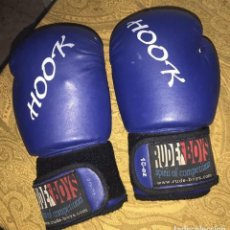 Coleccionismo deportivo: GUANTES DE BOXEO,RUDE BOYS. HOOK .10 OZ. SPIRIT OF COMPETITION. (3 FOTOS). Lote 113848195