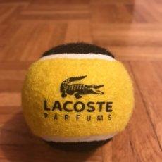 Coleccionismo deportivo: PELOTA DE TENIS LACOSTE. Lote 115414582