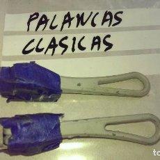 Coleccionismo deportivo: LOTE JUEGO DE 2 PALANCAS CLASICAS BICICLETA VINTAGE CORRECTAS. Lote 118000547