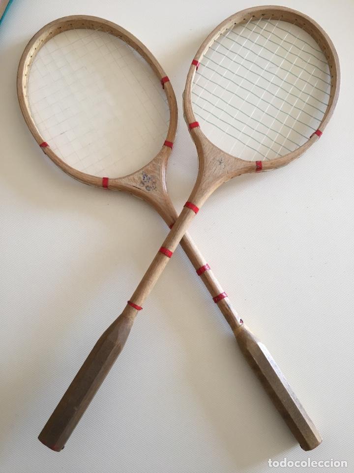 Coleccionismo deportivo: RAQUETA - PAREJA DE RAQUETAS ANTIGUAS DE BÁDMINTON - CON FUNDA Y VOLANTE - Foto 3 - 121330980