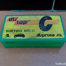 Coleccionismo deportivo: KIT REPARACION PINCHAZOS DE BICICLETA - DIS TOP - SURTIDO KIT II - DISPRONE S.A.. Lote 126278119
