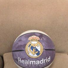 Coleccionismo deportivo: PELOTA BASKET DEL REAL MADRID. MATERIAL SINTETICO RUGOSO.. Lote 131662665