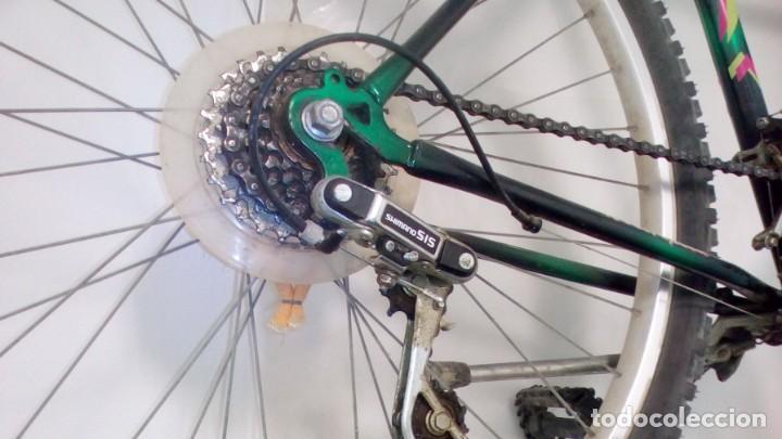 Coleccionismo deportivo: BICICLETA DE MONTAÑA SHIMANO , AÑOS 90 . COLOR VERDE METALIZADO . GRANDES DIMENSIONES VER - Foto 2 - 136756442