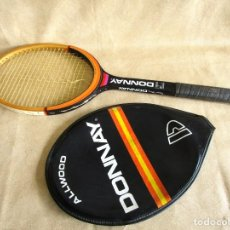 Coleccionismo deportivo: ANTUGUA RAQUETA TENIS DONNAY MADERA 4 4 ALLWOOD CON FUNDA. Lote 140161282