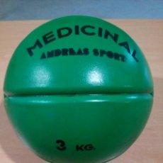 Coleccionismo deportivo: ANTIGUO BALÓN MEDICINAL 3 KILOS ANDREAS SPORT NUEVO DE TIENDA DEPORTES. Lote 143857286