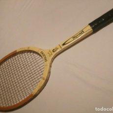 Coleccionismo deportivo: RAQUETA DE TENIS EN MADERA( SPALDING, PANCHO GONZÁLES) ORIGINAL AÑOS 60.. Lote 145191834
