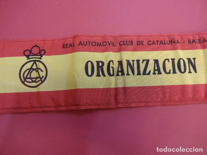 Coleccionismo deportivo: RACC Cataluña-Baleares. Brazal acolchado ORGANIZACION prueba automovilística años 1970s - Foto 2 - 146500290