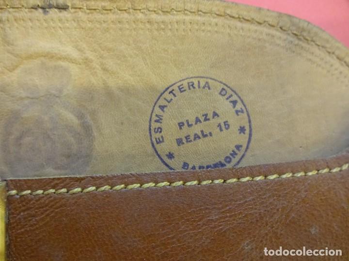 Coleccionismo deportivo: RACC Cataluña. Brazal COMISARIO TECNICO en piel y letras doradas. Barcelona años 1970s - Foto 3 - 146501322
