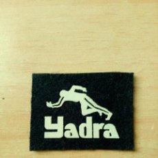 Coleccionismo deportivo: PARCHE YADRA 40 X 30 MM. Lote 146968786