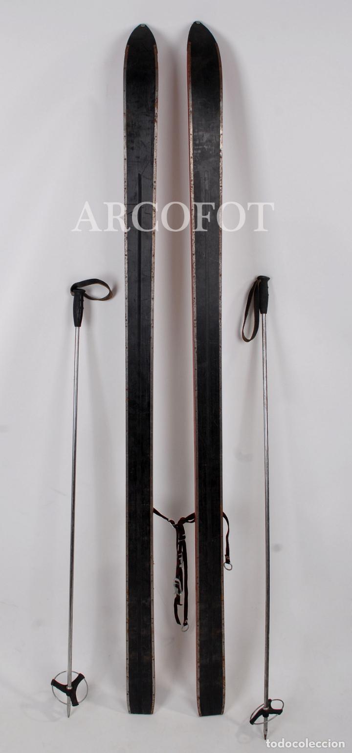 Coleccionismo deportivo: Antiguos SKIES - Esquíes SILVER STREAK - Con bastones (VER FOTOS) - Foto 2 - 149465698
