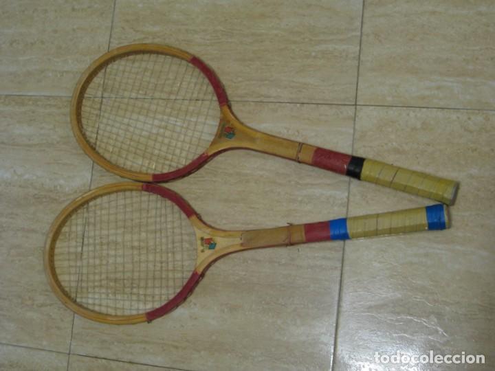 Coleccionismo deportivo: Dos raquetas antiguas de madera. Diamond. 61cm - Foto 2 - 150090062
