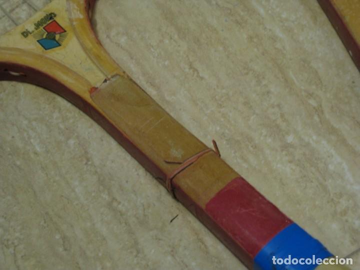 Coleccionismo deportivo: Dos raquetas antiguas de madera. Diamond. 61cm - Foto 6 - 150090062