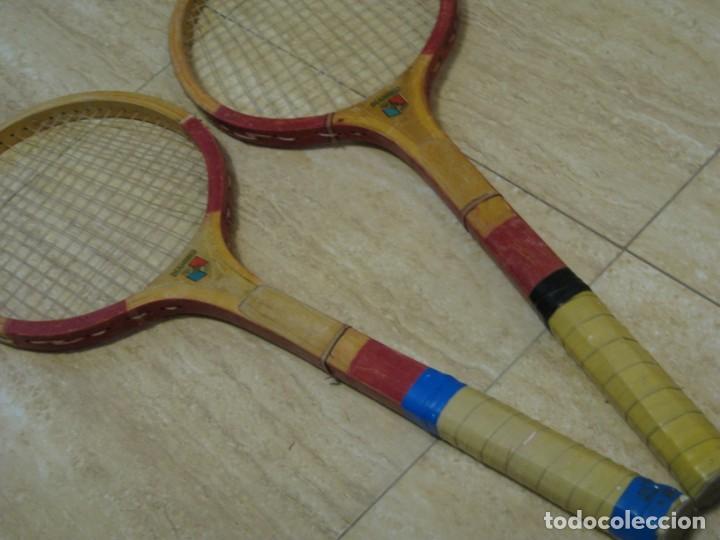 Coleccionismo deportivo: Dos raquetas antiguas de madera. Diamond. 61cm - Foto 12 - 150090062