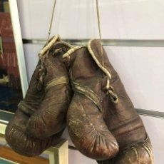 Coleccionismo deportivo: GUANTES BOXEO AÑOS 50/60. Lote 150105716
