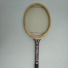 Coleccionismo deportivo: RAQUETA TENIS DE MADERA ANTIGUA. Lote 161743666