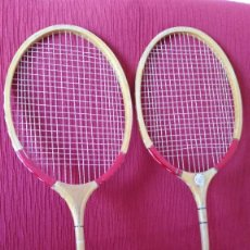 Coleccionismo deportivo: PAREJA RAQUETAS BADMINTON. Lote 165835546