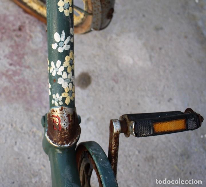 Coleccionismo deportivo: Bici BH plegable de los 70 pintada de flores - Foto 2 - 166632054