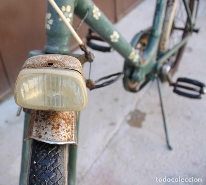 Coleccionismo deportivo: Bici BH plegable de los 70 pintada de flores - Foto 5 - 166632054